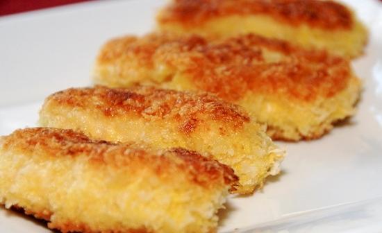 Куриные котлеты с сыром в сухарях