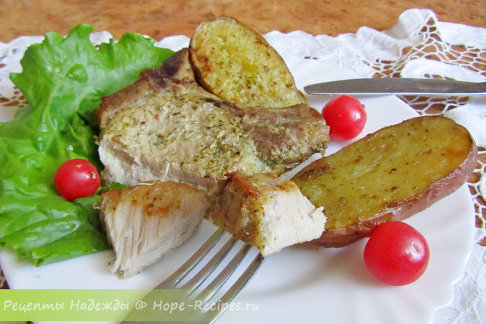 Рецепт свиных котлет на косточке в духовке